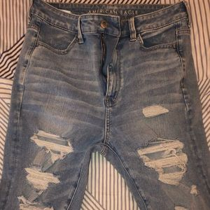 High-wasted Jeans